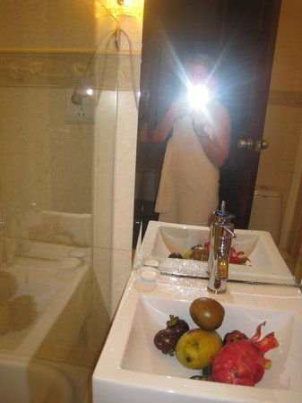 Vina Terrace Hotel: Bathroom