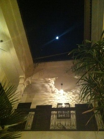Ryad Amiran: moon over the roof terrace
