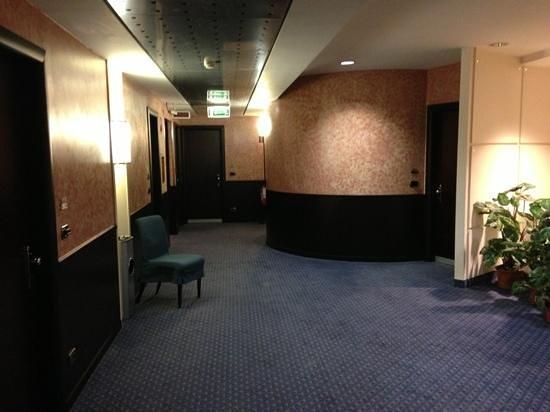 Hotel degli Imperatori: primo piano accesso alle camere