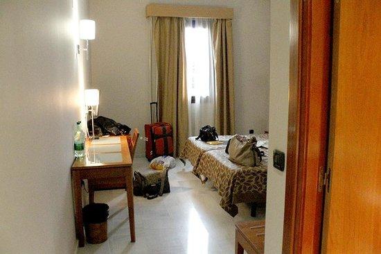 Exe Ciudad de Cordoba: Hotelzimmer