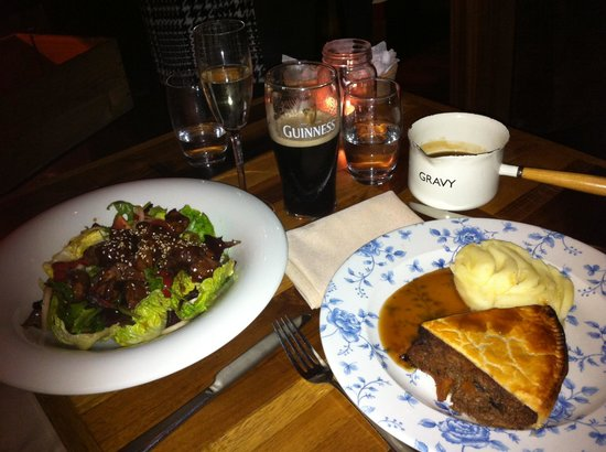 Barlounge: Mains - Fillet Salad and Steak, Brisket and Ale Pie