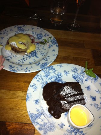 Barlounge: Dessert : Jam Roly Poly and Chocolate Cake
