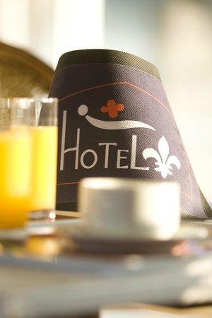 Hotel Fleur de Lys : sigle