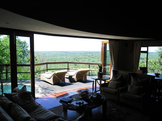 Ulusaba Safari Lodge: Cliff Lodge Deck with Plunge Pool