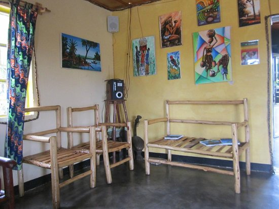 Red Rocks Rwanda - Campsite & Guesthouse : play area