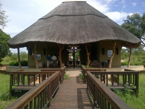Ulusaba Safari Lodge: Ulusaba Airport Arrivals, Departures and Reception !