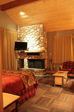 Alpine Village Cabin Resort - Jasper: suite
