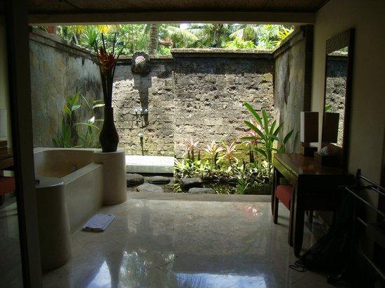 Arma Museum & Resort: La salle de bain