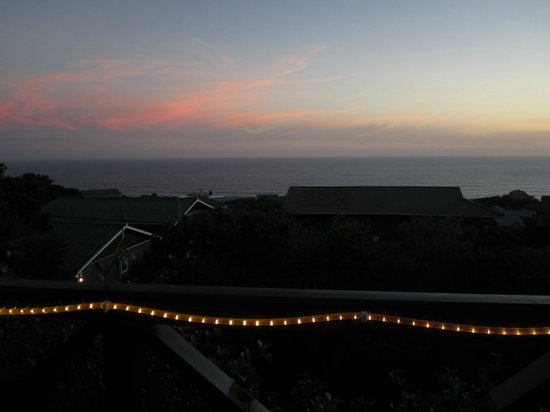 Dolphins Hill Bed & Breakfast : View by night