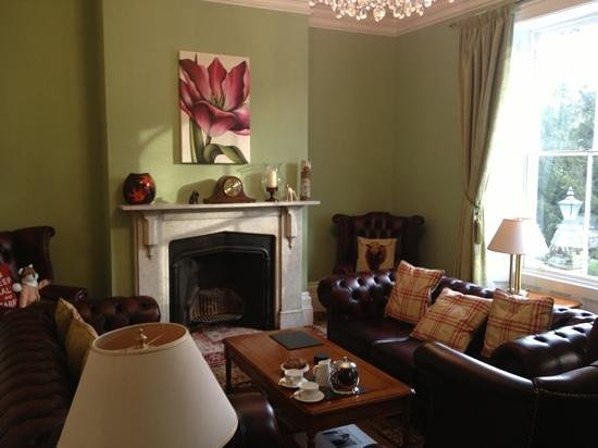 Glendon Guest House: The sitting room
