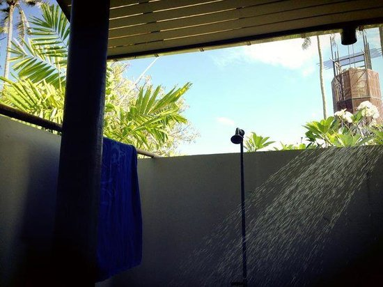 Islanda Hideaway Resort: Outdoor shower