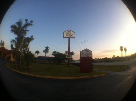 Fairway Inn Florida City: Entrada depois da placa