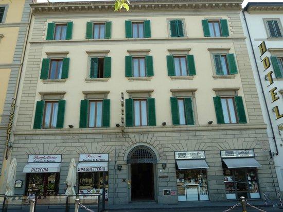 Hotel Caravaggio: Hotel entrance
