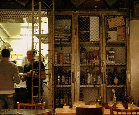 La cantine de Belleville: The open kitchen
