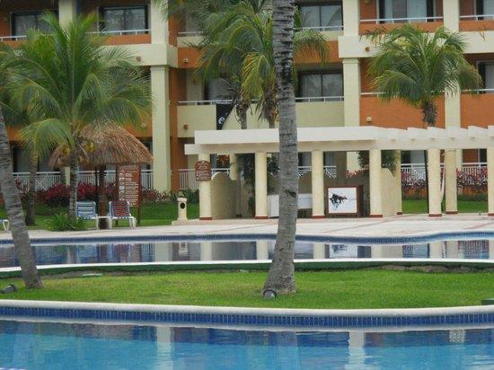 Grand Bahia Principe Coba: Coba Pool