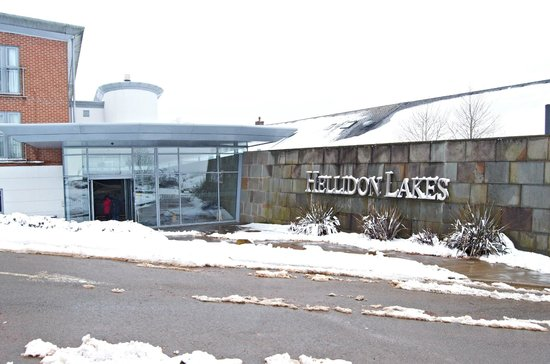 Hellidon Lakes Golf & Spa Hotel: Hotel entrance