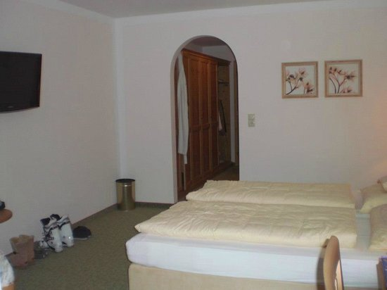 Hotel Eberl: Double Deluxe Room - Michael Side