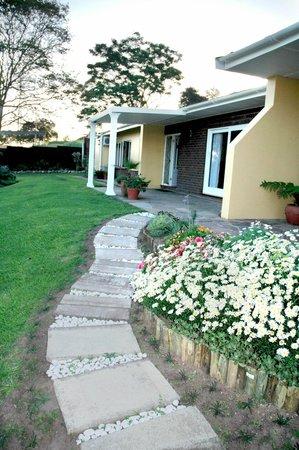Apricot Sky B & B: Reception & Garden