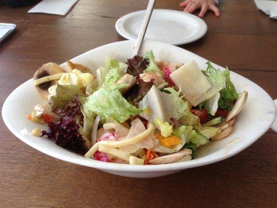 Vapiano Wiesbaden Wilhemstrasse: Mista Salad with Chicken