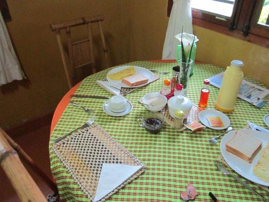 Gisakura Guest House: Dining