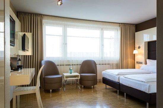 hotel santo k ln almanya otel yorumlar ve fiyat kar la t rmas tripadvisor. Black Bedroom Furniture Sets. Home Design Ideas