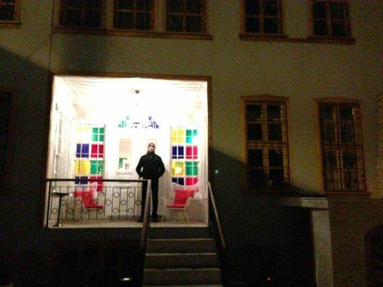 Hich Hotel Konya: main gate