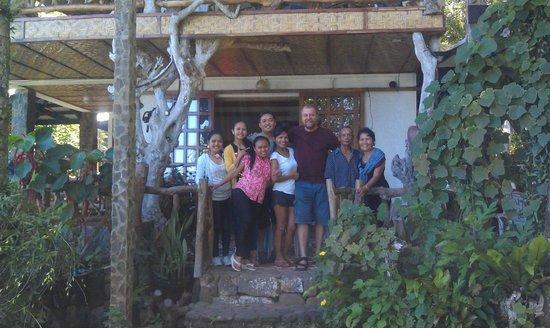 Casa Roca Inn: with the wonderful couple