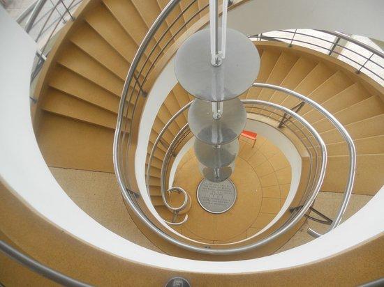 De La Warr Pavilion: Central staircase