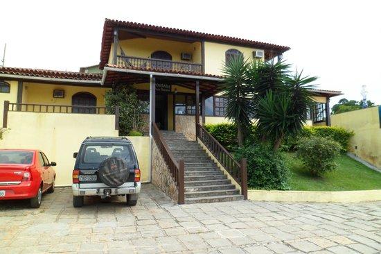 Nova Villa Tortuga: Vista de la entrada al hotel