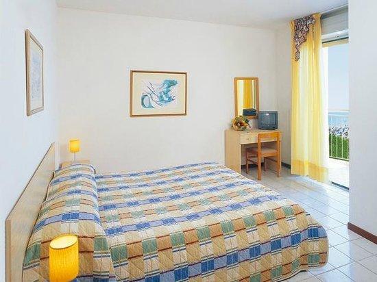 Hotel Sofia - Jesolo: camera fronte mare