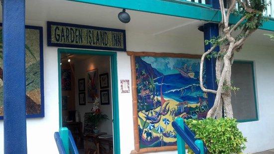 Garden Island Inn : office