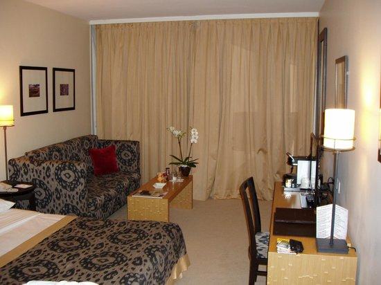 Hotel Jade - Manotel Geneva: Room