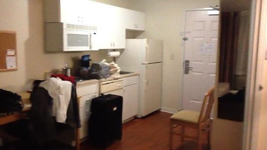 Candlewood Suites Austin-Round Rock: Kitchen area