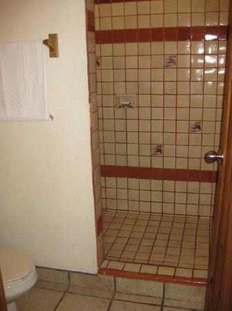 Los Barriles Hotel: Dusche