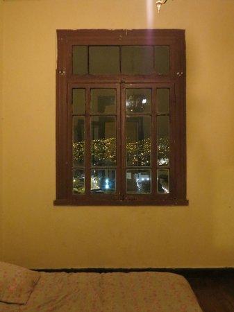 """Hostal Odeon: Vista mas lejana desde """"mi habitacion preferida""""!!"""