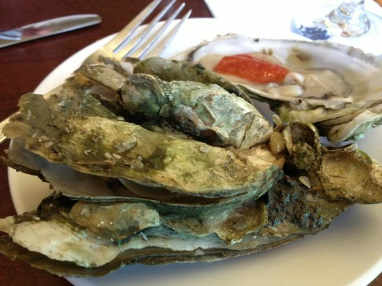 Foolish Frog: Steamed and raw oyster
