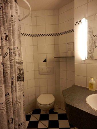 Hotel Brunnenhof: Badezimmer