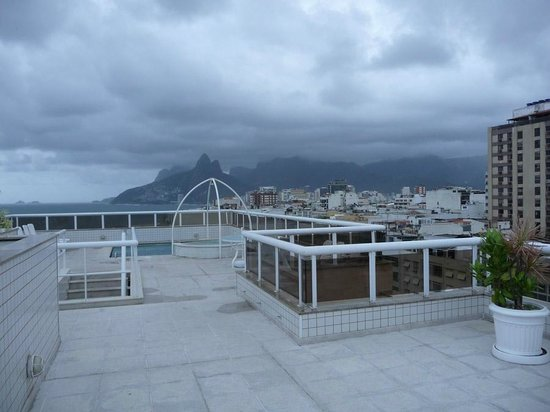 Atlantis Copacabana: Rooftop pool area
