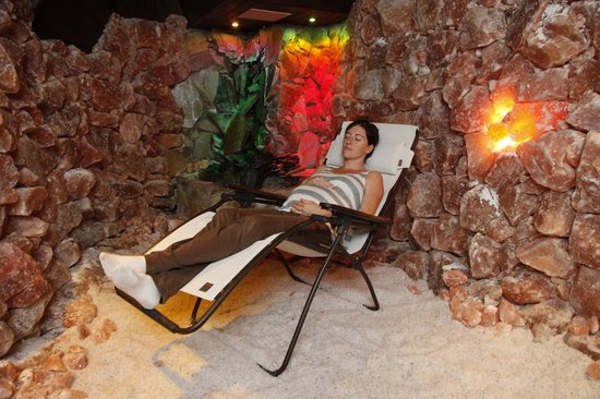 Asheville Salt Cave: Relaxing in the Therapeutic Salt cave