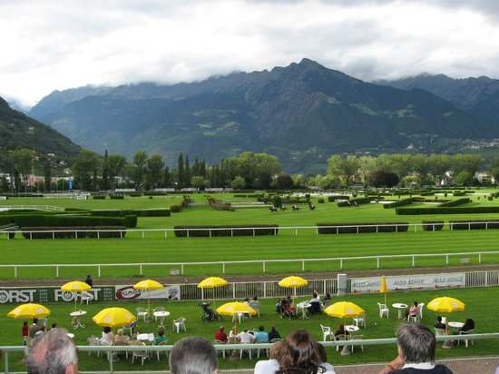 Pferderennplatz: Ippodromo Maia Alta