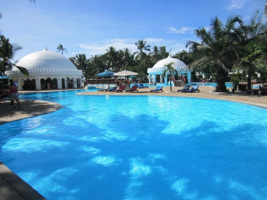 Southern Palms Beach Resort: Warm and shallow pool, perfect for young children