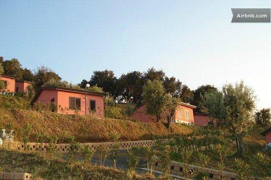 Sant'Agata di Militello, İtalya: le villette nel verde