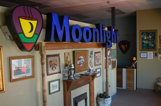 Moonlight on the Mountain : Check website Calendar page for list of performances
