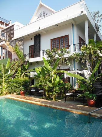 Apsara Centrepole Hotel: Pool area