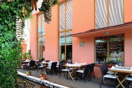 Hotel Grand-Matej Restaurant