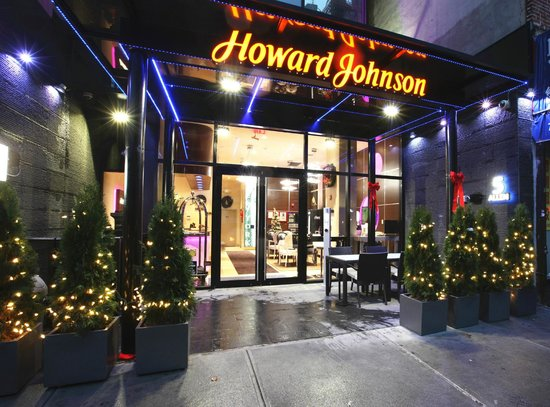 Howard Johnson Manhattan Soho: Front Door