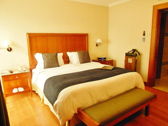 Hotel Oro Verde Guayaquil: King size  cushy bed