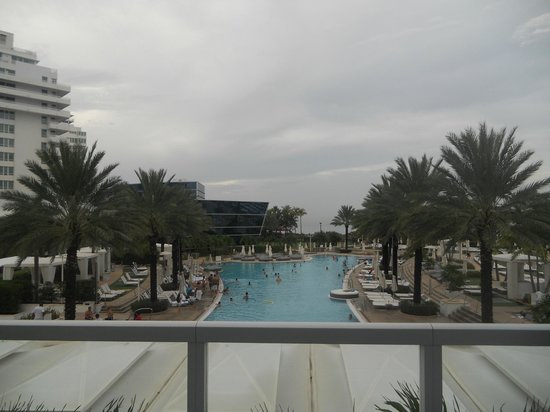 Fontainebleau Miami Beach: First pic I took of the pool!