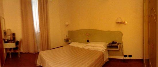 Milani Hotel : camera matrimoniale standard