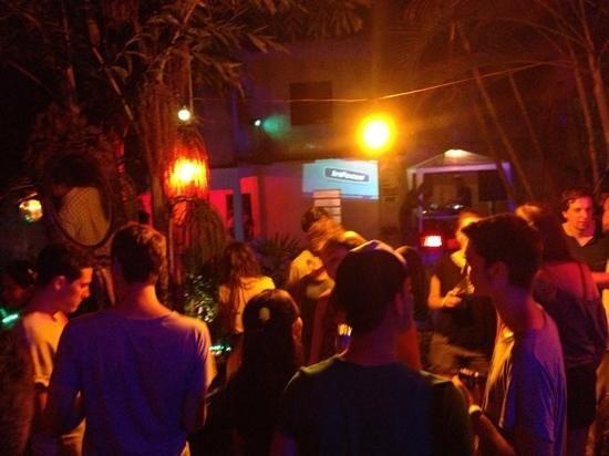 Vidigal Hostel Bar: festa no morro